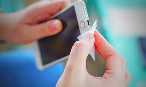 Limpar celular [Guia para limpar o celular em casa em 2020]